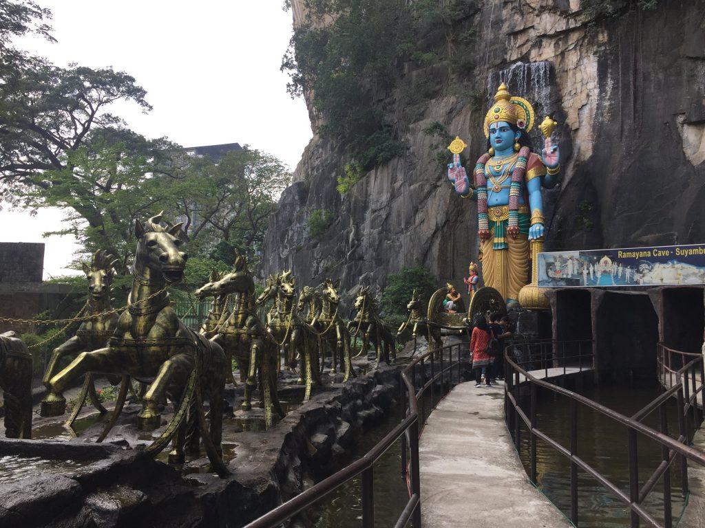 Entrada da Ramayana Cave