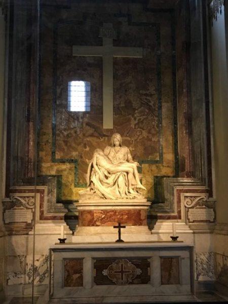 Escultura Pietá, de Michelangelo