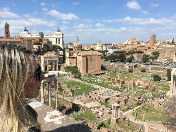 Foro Romano. Entrada com o mesmo ticket do Coliseu.