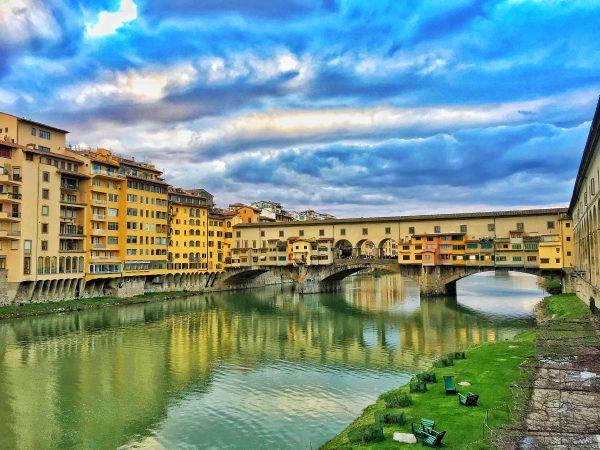 Vista da Ponte Vechio, em Florença