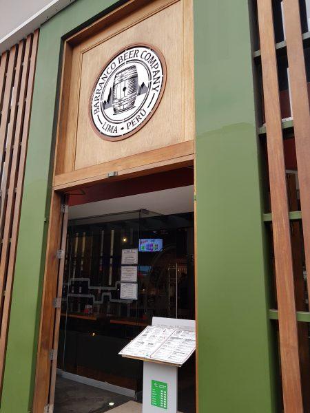 Entrada da Barranco Beer Company, em Lima