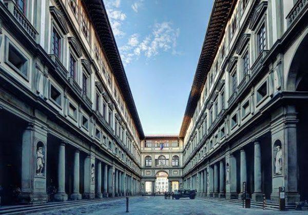 Exterior da Galleria Uffizi. Foto: rainews.it