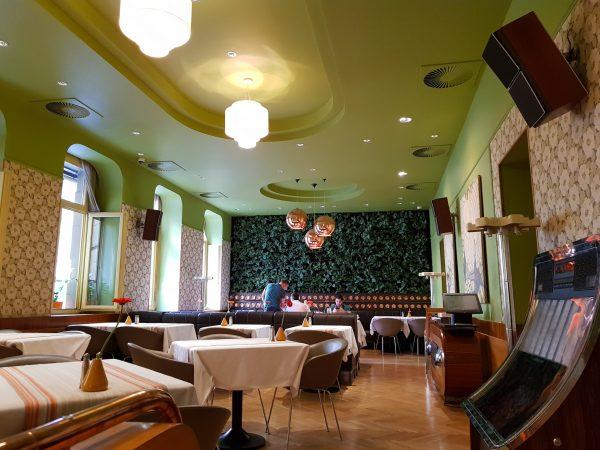Um dos ambientes do Restaurante Menza