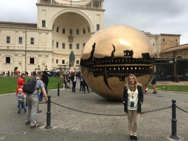 Esfera na Esfera, nos Museus do Vaticano