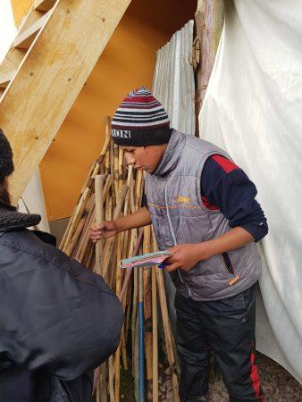 Aluguel do cajado de madeira.