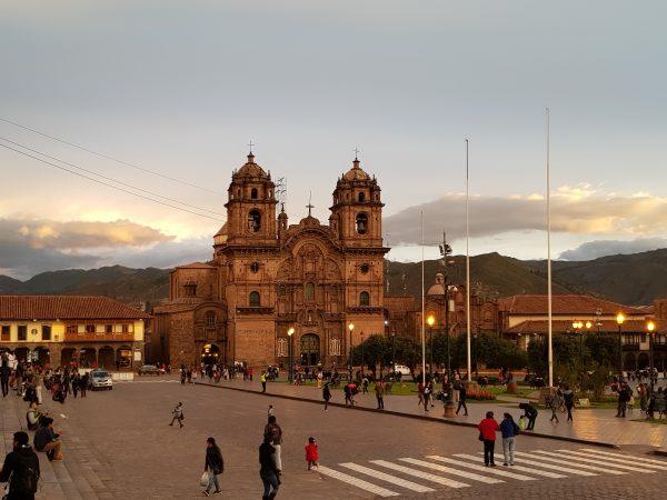 Catedral de Cusco ao por do sol
