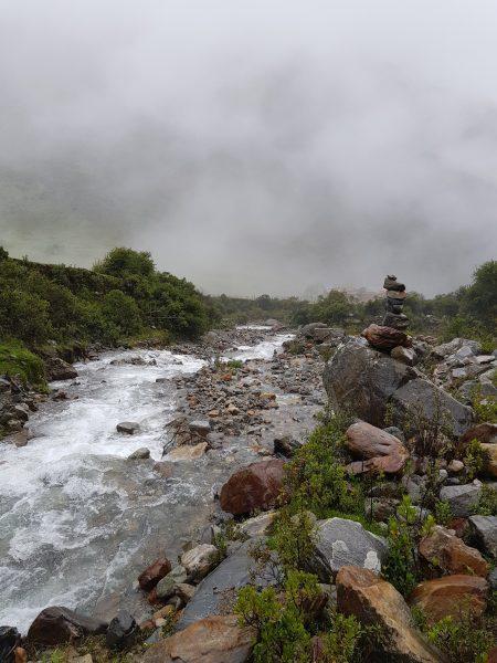 Riachos no caminho da Laguna Humantay