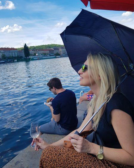 À beira do rio Vltava