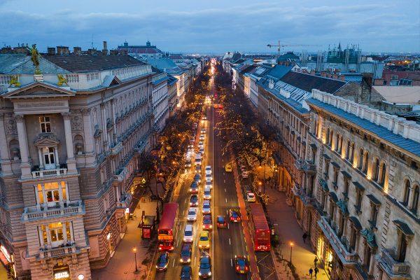 Avenida Adrássy, em Budapeste. Foto: welovebudapest.com