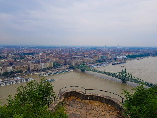 Vista do lado Peste da cidade, na Citadella