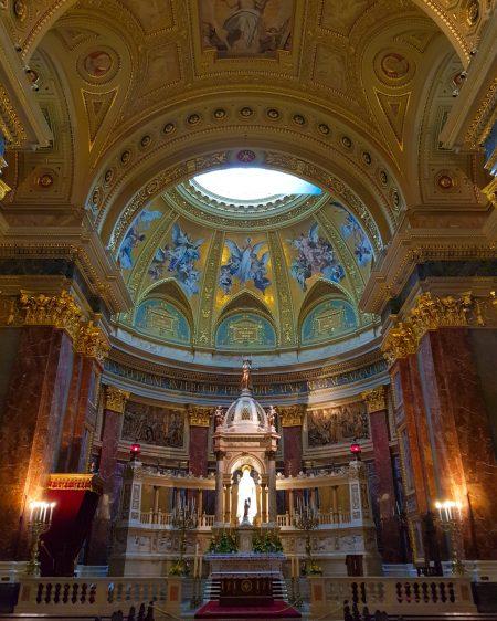 Interior da Basílica de Santo Estevão