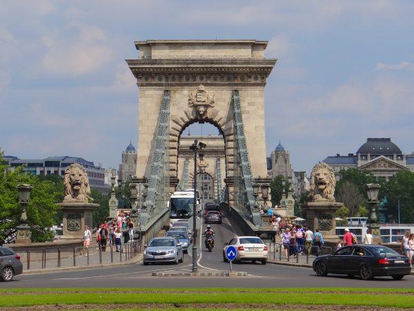 Ponte das Correntes, Budapeste