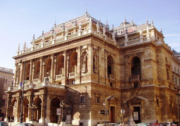 Ópera Estatal da Hungria, em Budapeste. Foto: apartmentsbudapest.info